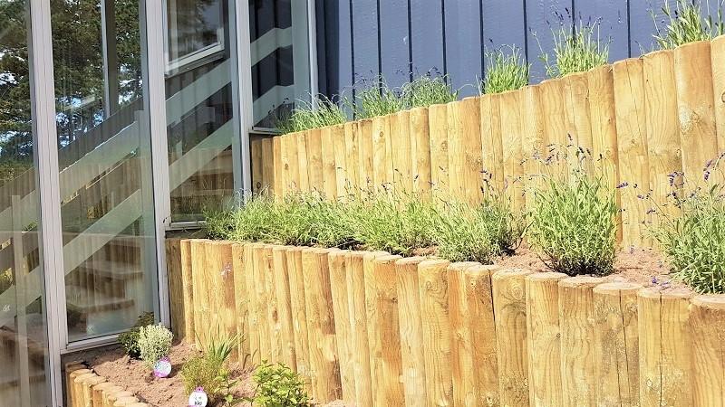 Havebede op mod sommerhuset